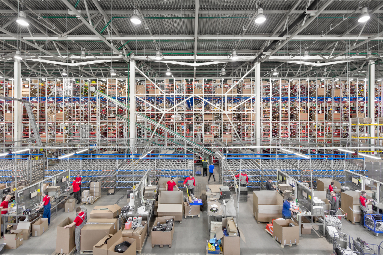 The total warehouse area of the BERG departments is 29,000 m²